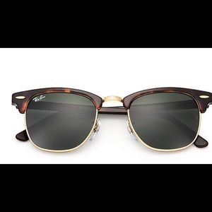 Ray-Ban Clubmaster Classic in Tortoise